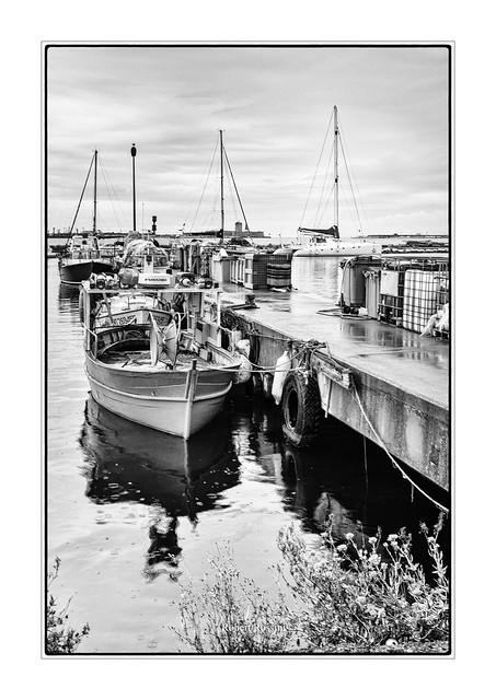au bout du quai du port de pêche