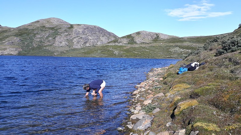 Kangerlussuaq TA Field Trip (Spanish Team): Sampling on Rain Lakes