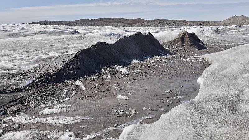 Kangerlussuaq TA Field Trip (Spanish Team): Sampling Bedrock erosion sediments from Issunguata Sermia ice