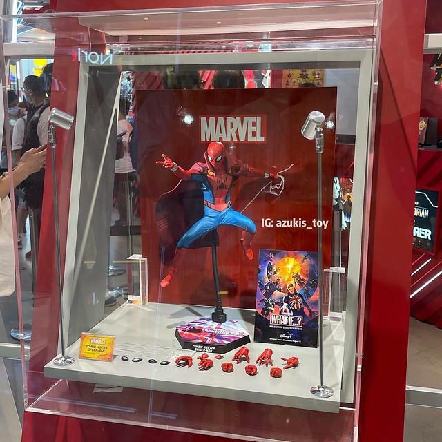 Zombie Hunter Spiderman Hot Toys Display 01