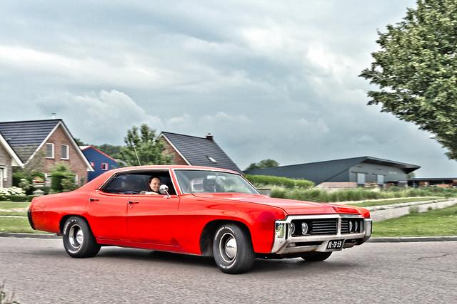 Buick LeSabre Custom Sedan 1969 (3900)