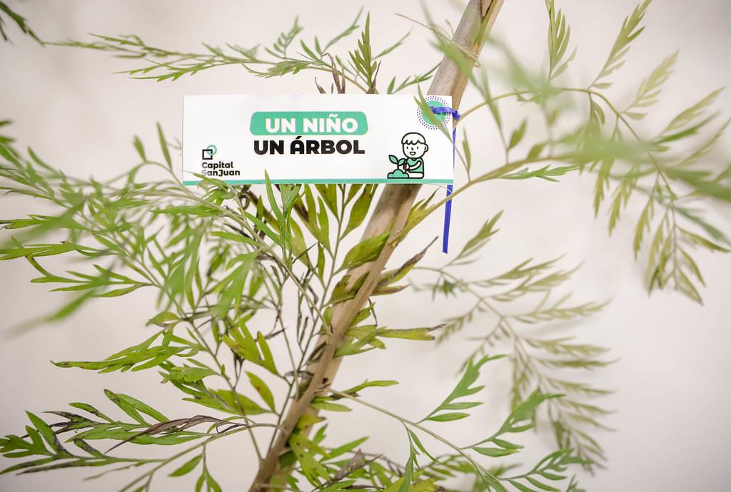 2021-08-04 Firma de convenio ¨Un niño Un árbol¨