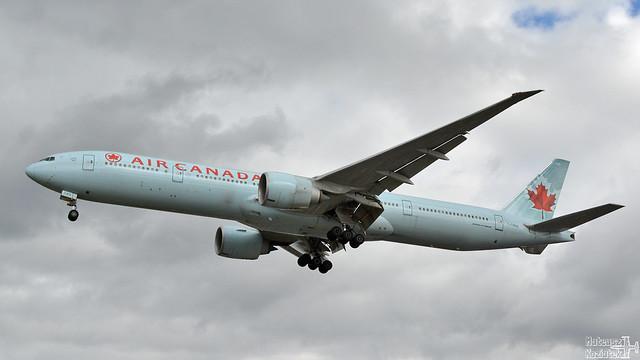 Air Canada 🇨🇦️ Boeing 777-300 C-FNNQ