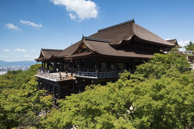 A Summer's Day at Kiyomizu / 清水での夏日