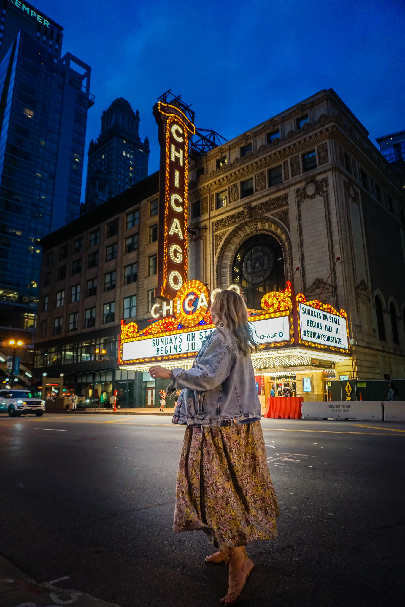 Chicago Theater at Night | First Time In Chicago: The Perfect 3 Day Itinerary | Chicago Travel Guide | 72 Hours in Chicago | 3 Days in Chicago Itinerary | What to do in Chicago | Where to Stay in Chicago | Ultimate Chicago Bucket List | Top Things to Do in Chicago | First Timer's Guide to Chicago