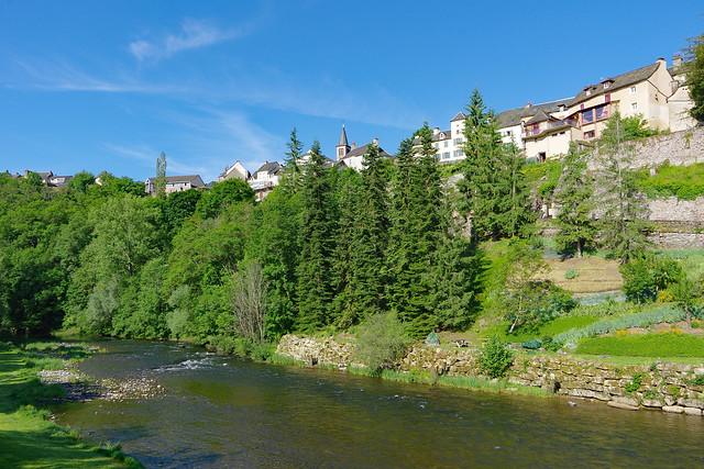 Le Lot à Saint-Laurent-d'Olt (Aveyron)
