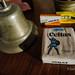 Cigarrillos Celtas y hojas de afeitar.