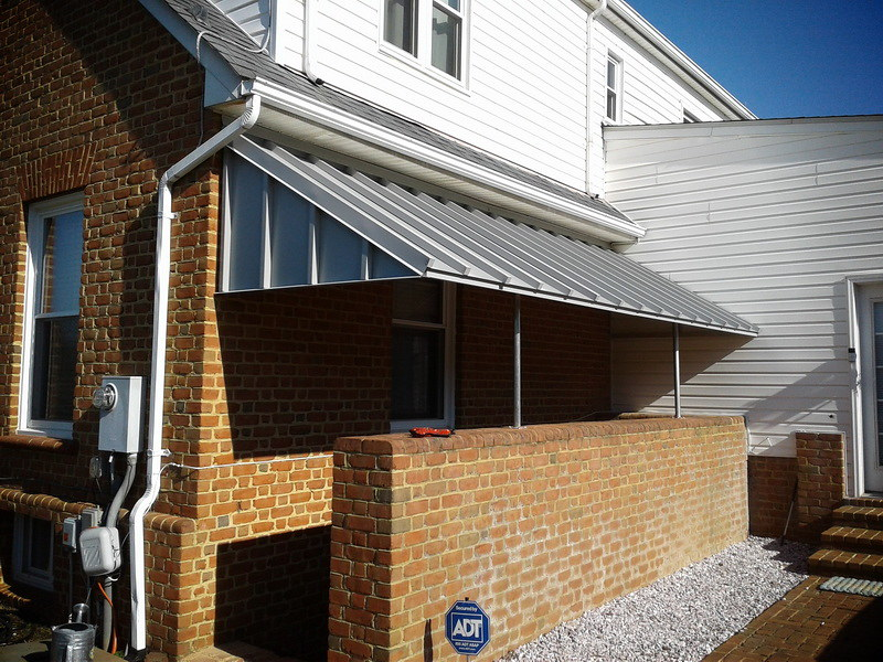 arhitectural-standing-seam-metal-stairwell-awning_45879631401_o_2