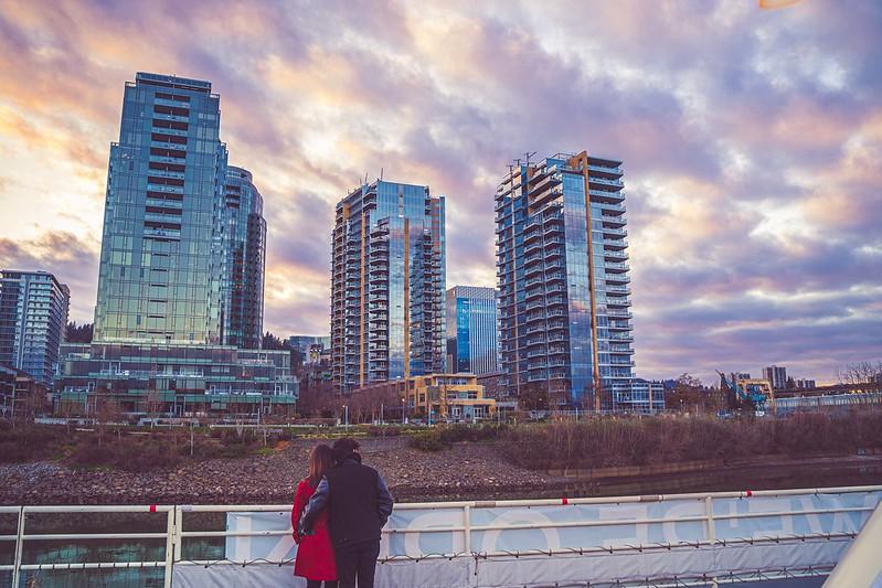 couple looking at skyline on portland spirit