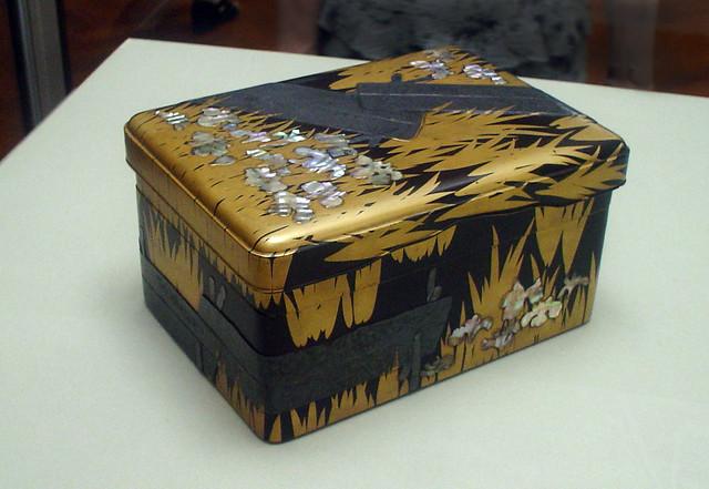 Ogata Kōrin 尾形光琳. Writing Box with Eight Bridges- National Treasures of Japan.