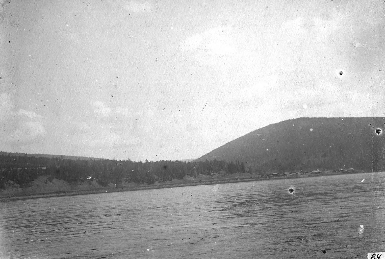 Деревня Каменка на реке Лене