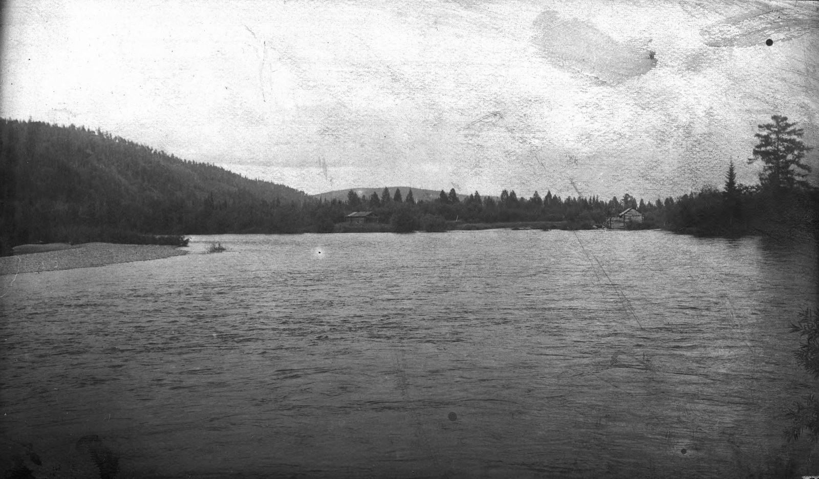 Долина реки Лены у устья реки Иликты