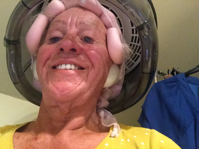 under my home salon dryer wishing to be Beautiful, well I can dream😜😜😜