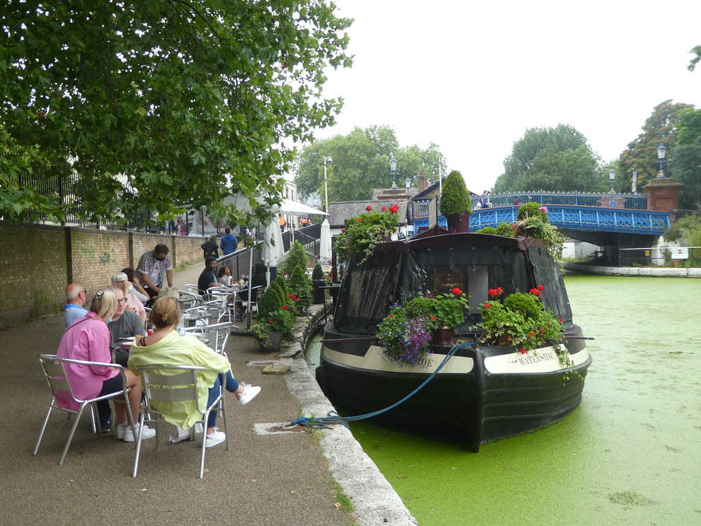 Floating cafe at Little Venice, London