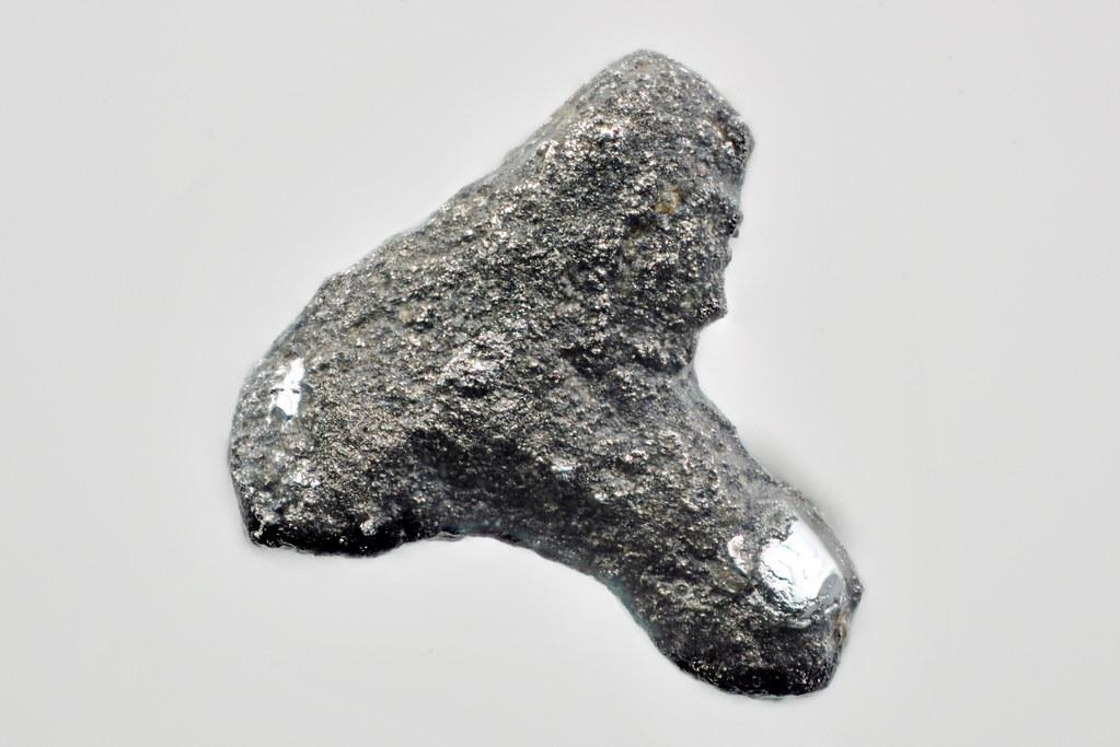 スペリー鉱 / Sperrylite
