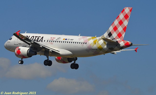 EC-NHP - Volotea Airlines - Airbus A319-111 - PMI/LEPA