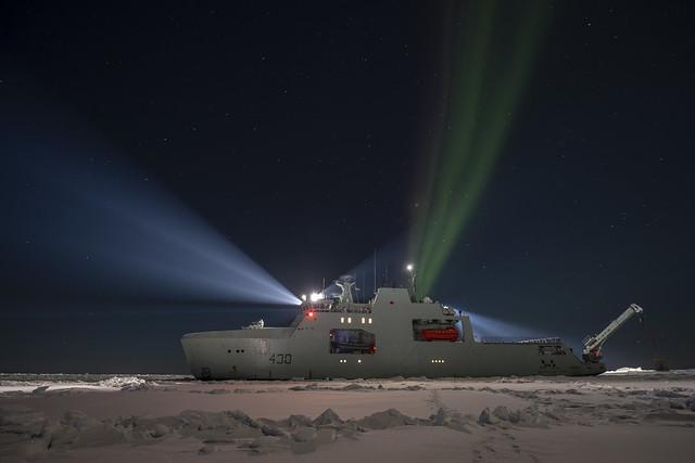 HMCS HARRY DEWOLF - NORTHERN LIGHTS