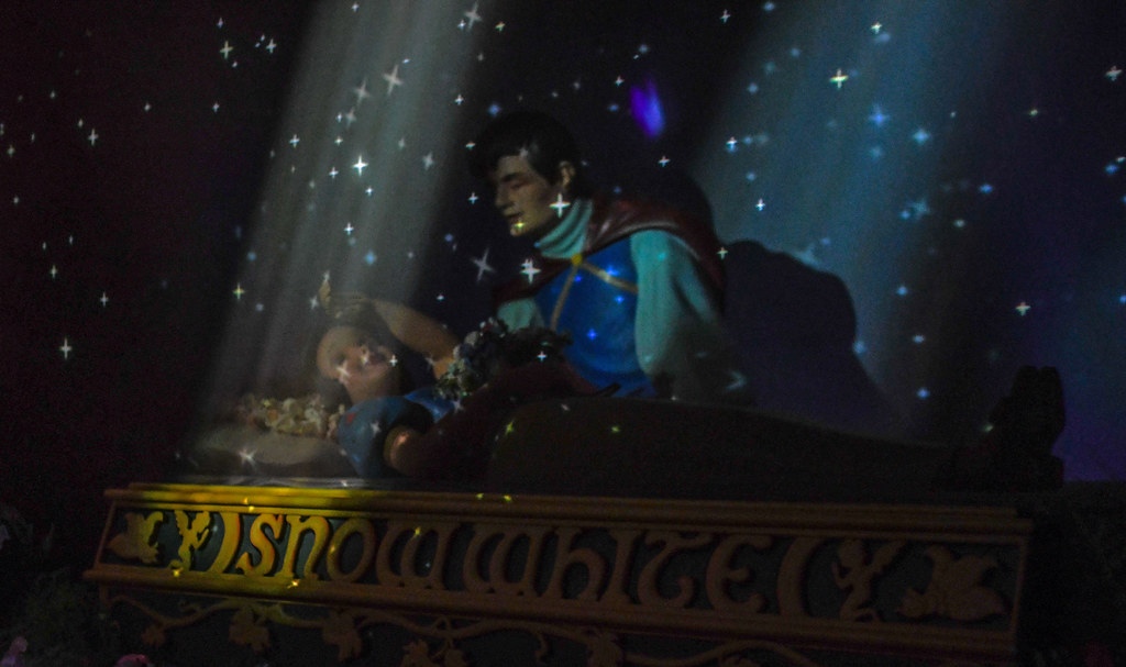 Snow White's Enchanted Wish starry scene DL