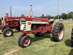 1962 Farmall type 560 tractor