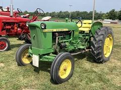 John Deere type 1010 tractor