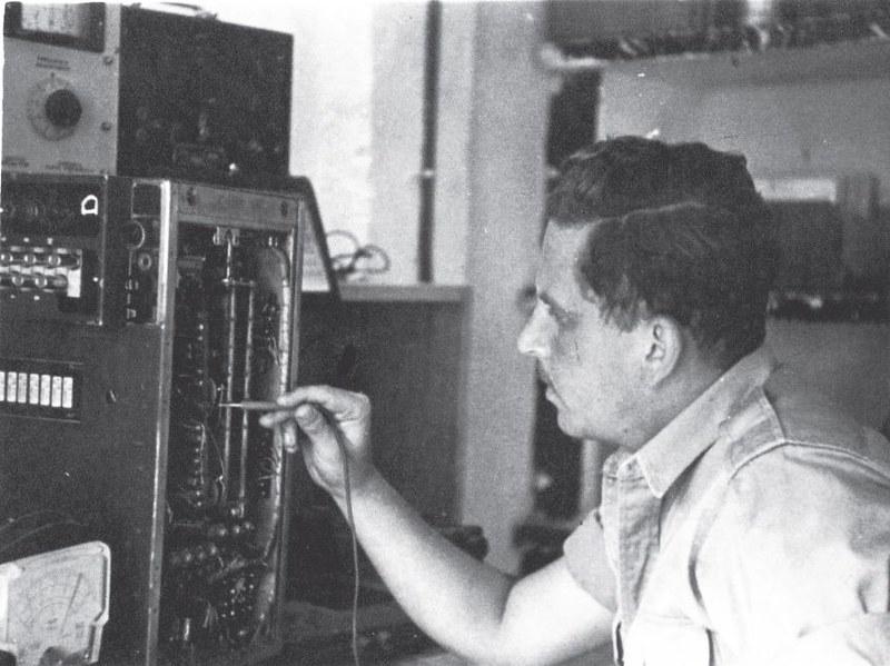 Radio-SCR-508-repair-1958-70y-1
