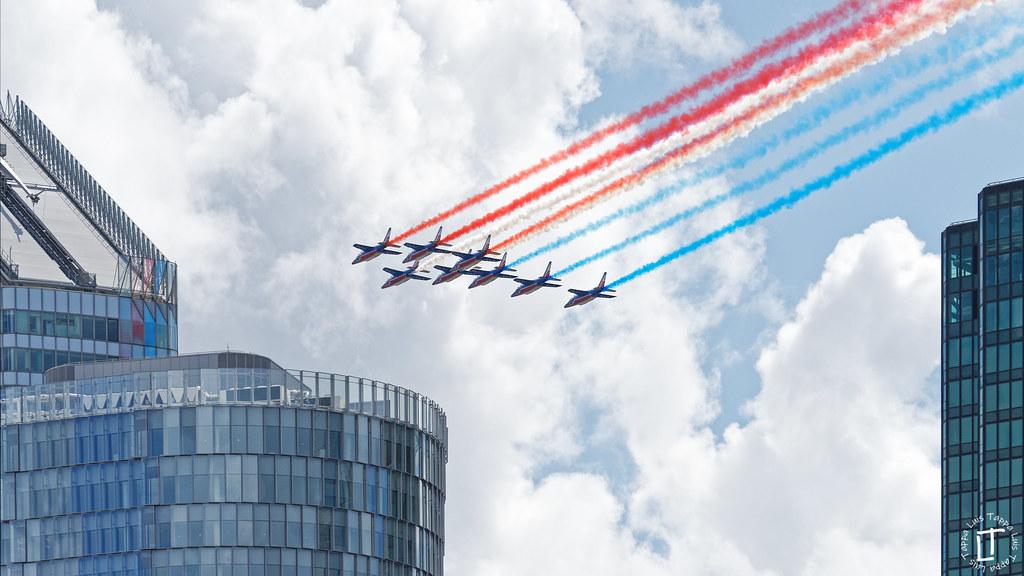French aerobatic team airshow, over Paris La Défense.