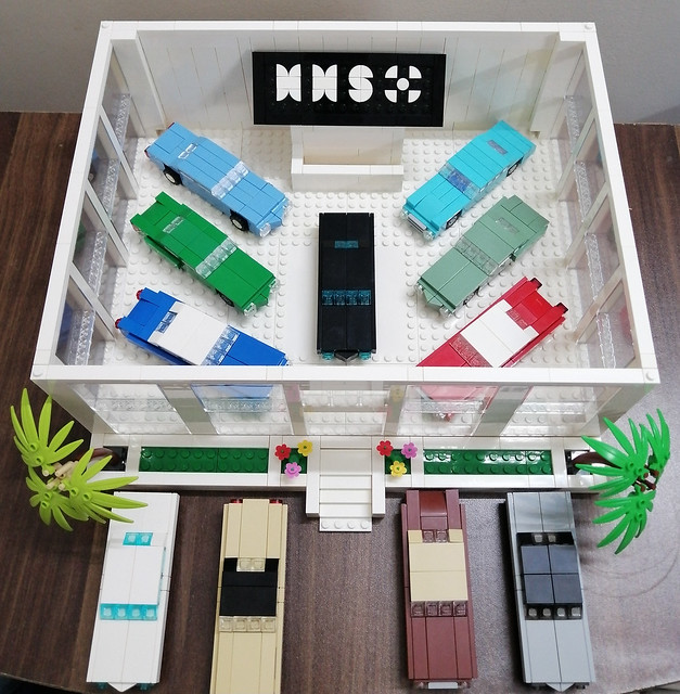 Classic Cars of 70's in Showroom (without roof) MOC.