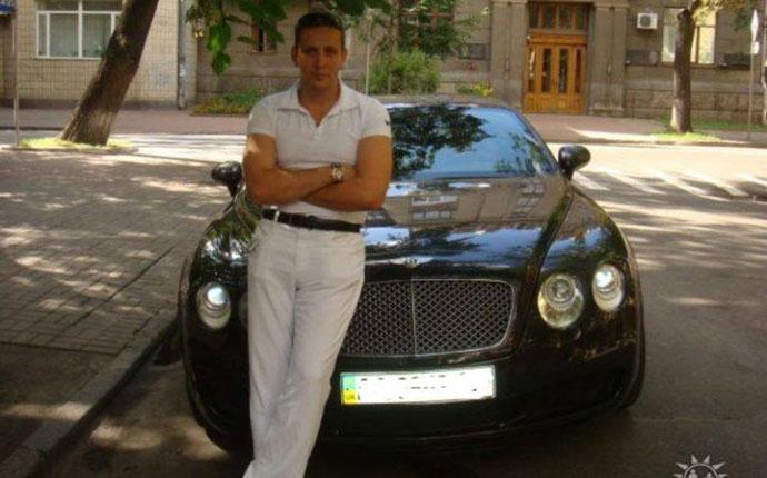 Александр Щуцкий Bentley Continental GT