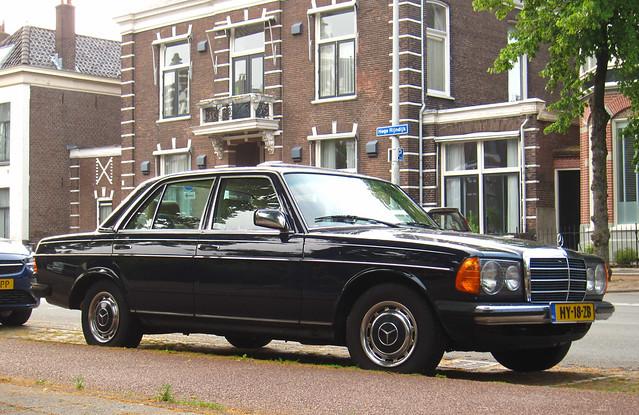 1982 Mercedes-Benz 200 (W123)