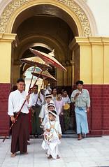7_Mandalay_Mianmar Copyright ©Lucille Kanzawa. All rights reserved. REPRODUÇÃO PROIBIDA - ® Todos os direitos reservados.
