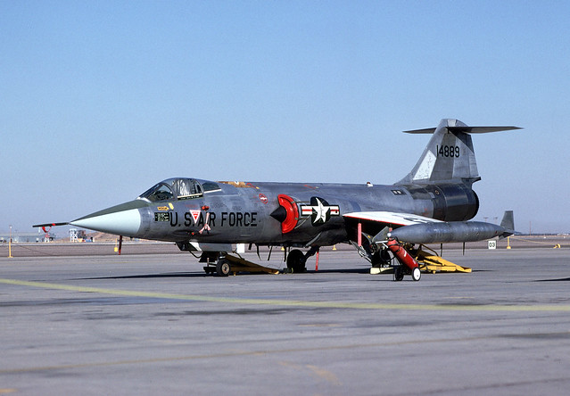 F-104G_14889_11-8-80_Luke_35P_35b