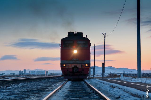 Locomotive & Sunset time...