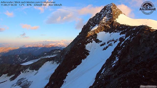 Alpinisten steigen auf