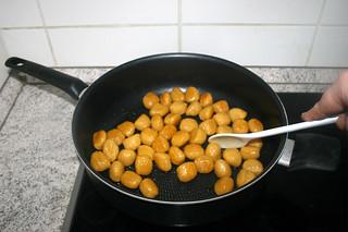 07 - Fry gnocchi / Gnocchi anbraten