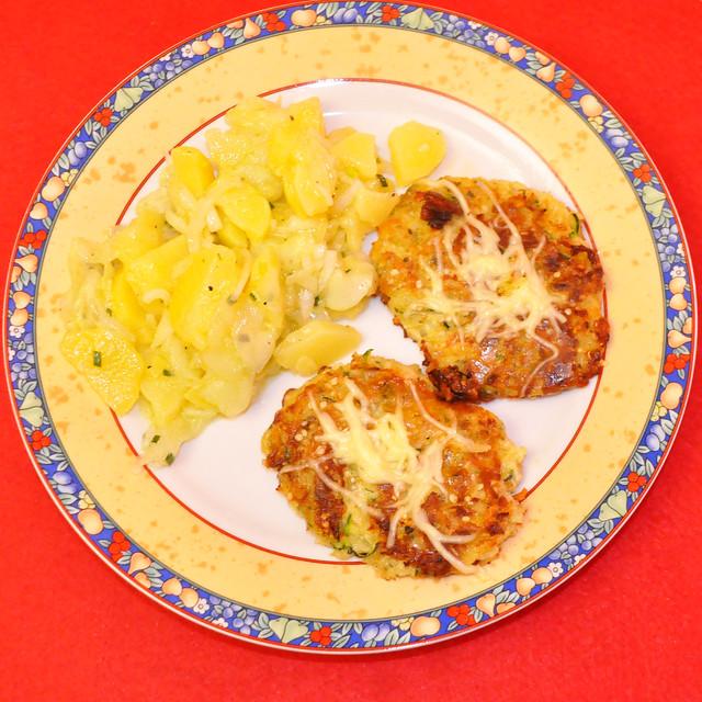August 2021 ... Kartoffel-Zucchini-Rösti (Reibekuchen, Bratling) ... Brigitte Stolle