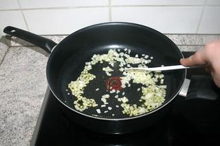 10 - Braise onion / Zwiebel andünsten