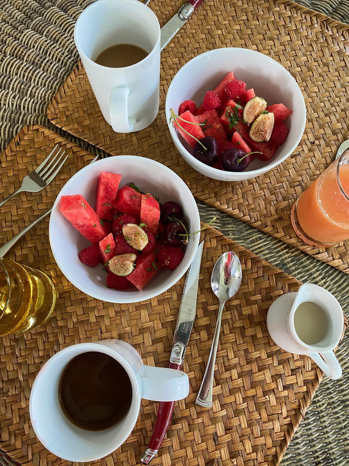 Red Fruit Bowl Breakfast   The Harvest Inn Bed & Breakfast