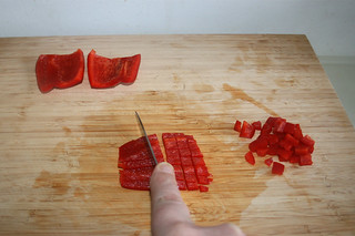 03 - Dice bell pepper / Paprika würfeln