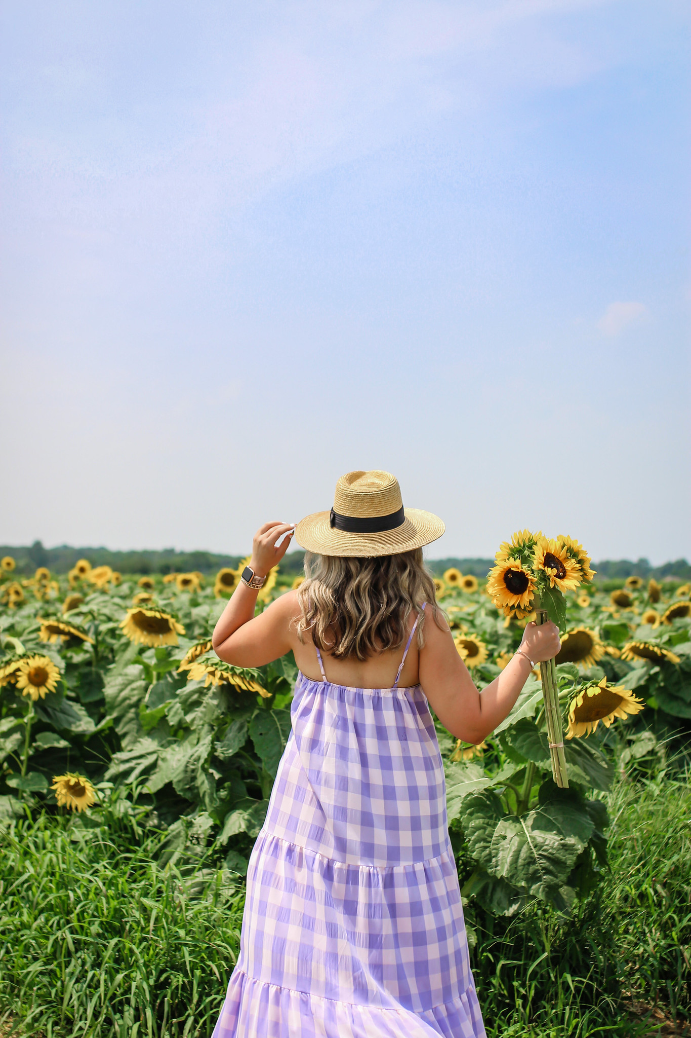 Why You Need to Visit a Sunflower Field this Year | Best Sunflower Fields to Visit in New York | Sunflower Fields in New York | Beautiful Sunflower Farms | Sunflower Farms Near NYC | Sunflower Field Aesthetic | Sunflower Landscape | Sunflower Field Poses | Sunflower Field Photoshoot Inspiration | Sunflower Aesthetic | Sunflower Season