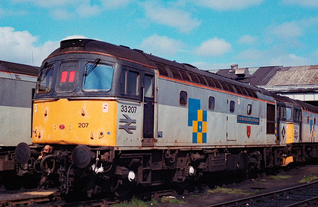 SCANNED 35mm NEGATIVE : 33 207 at Hither Green Depot on 6th May 1991