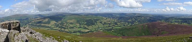 Sugar Loaf Circular: Panorama to the north west