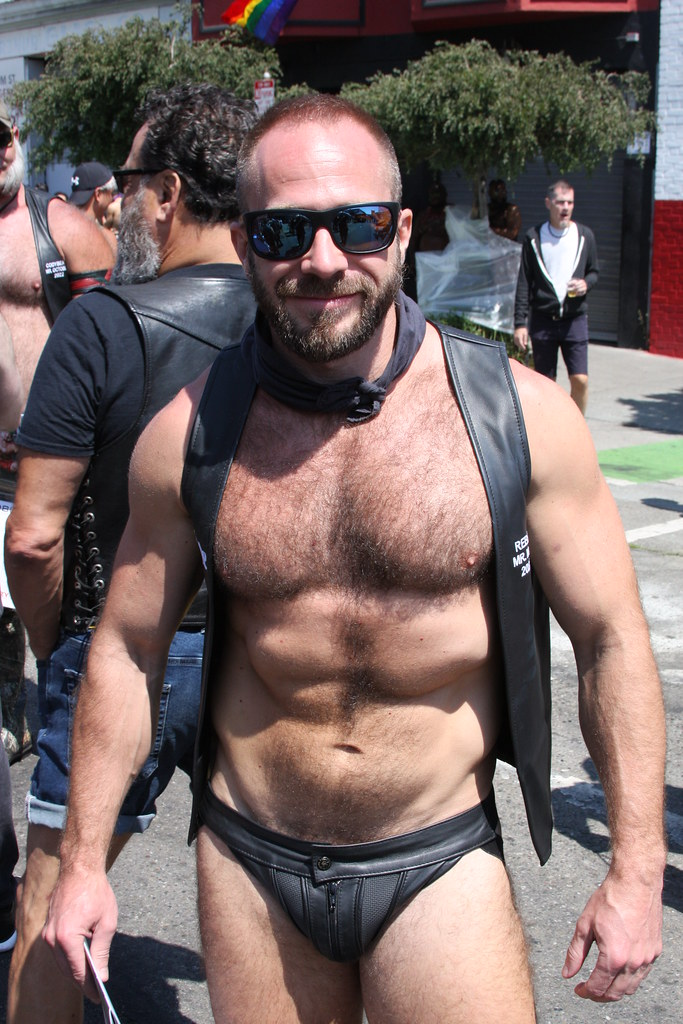 DAMN SEXY ! HAIRY LEATHERMEN STUD ! photographed by ADDA DADA at the DORE ALLEY FAIR 2021  !  ( safe photo ) (50+ faves)