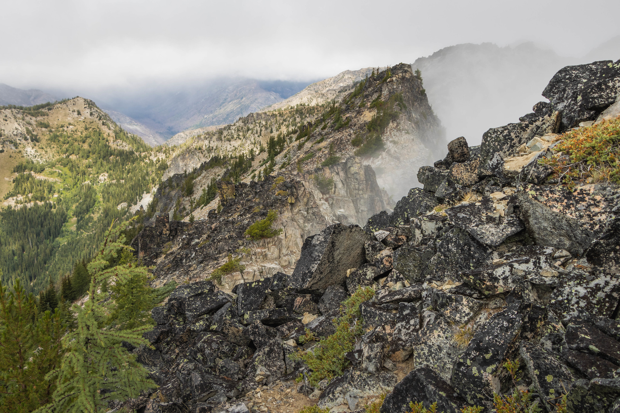 The rocky north ridge of Point 7800