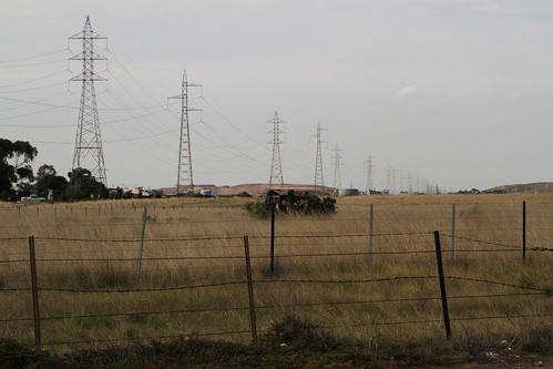 Single and double circuit 220 kV Geelong - Keilor transmission line beside Derrimut Road