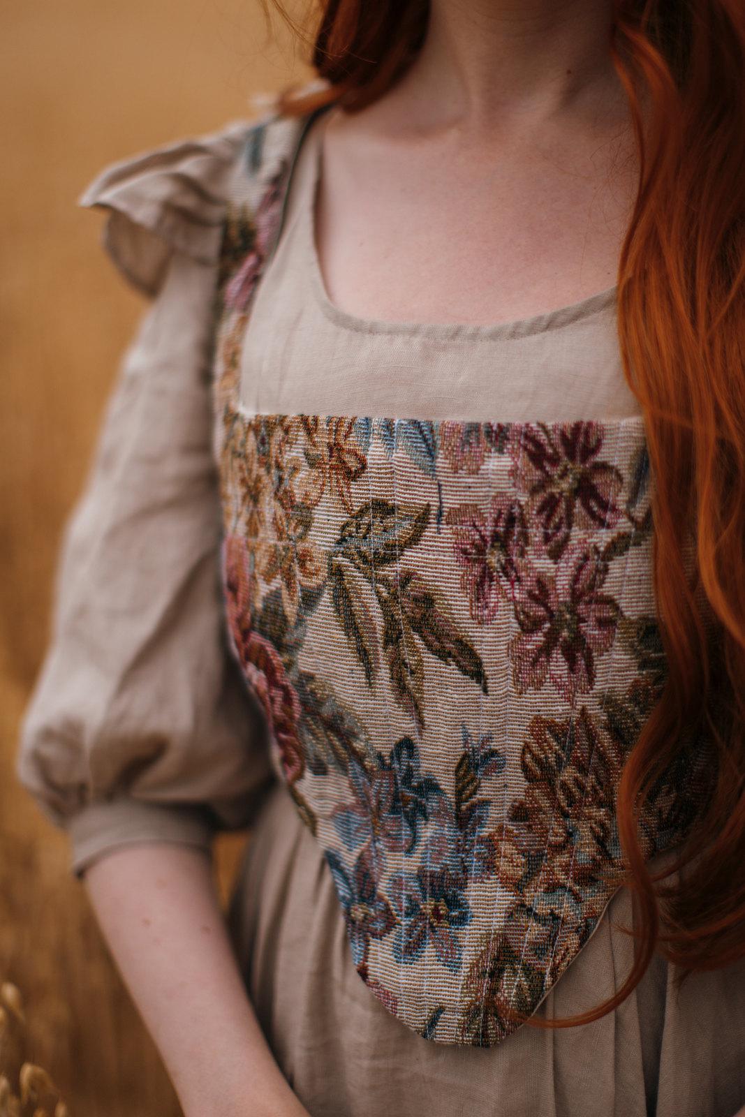 cottagecore, cottagecore dress, dark cottagecore, cottagecore aesthetic, cottagefairy, fairycore, autumn fashion, autumn cottagecore, romantic academia
