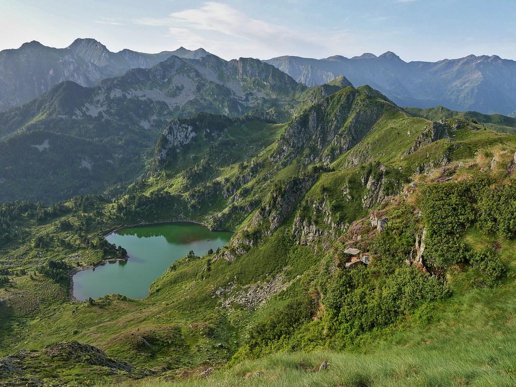 Boucle Pic du Tarbésou, Roc de Bragues et étangs Bleu et Noir 51374392459_7ca2135b80_b
