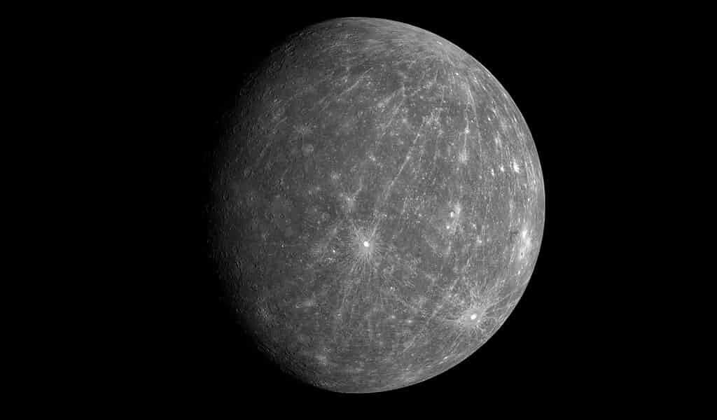 mercurea-peu-de-rochers-à-sa-surface-et-nous-ne-savons-pas-pourquoi