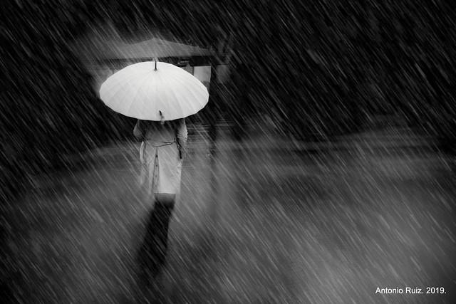 Madrid. La lluvia sucede en el pasado.