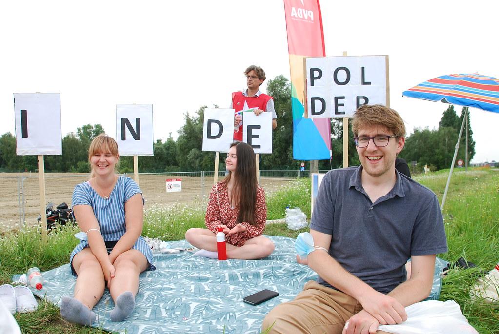 PVDA picknickt tegen hoogbouw in Hobokense Polder