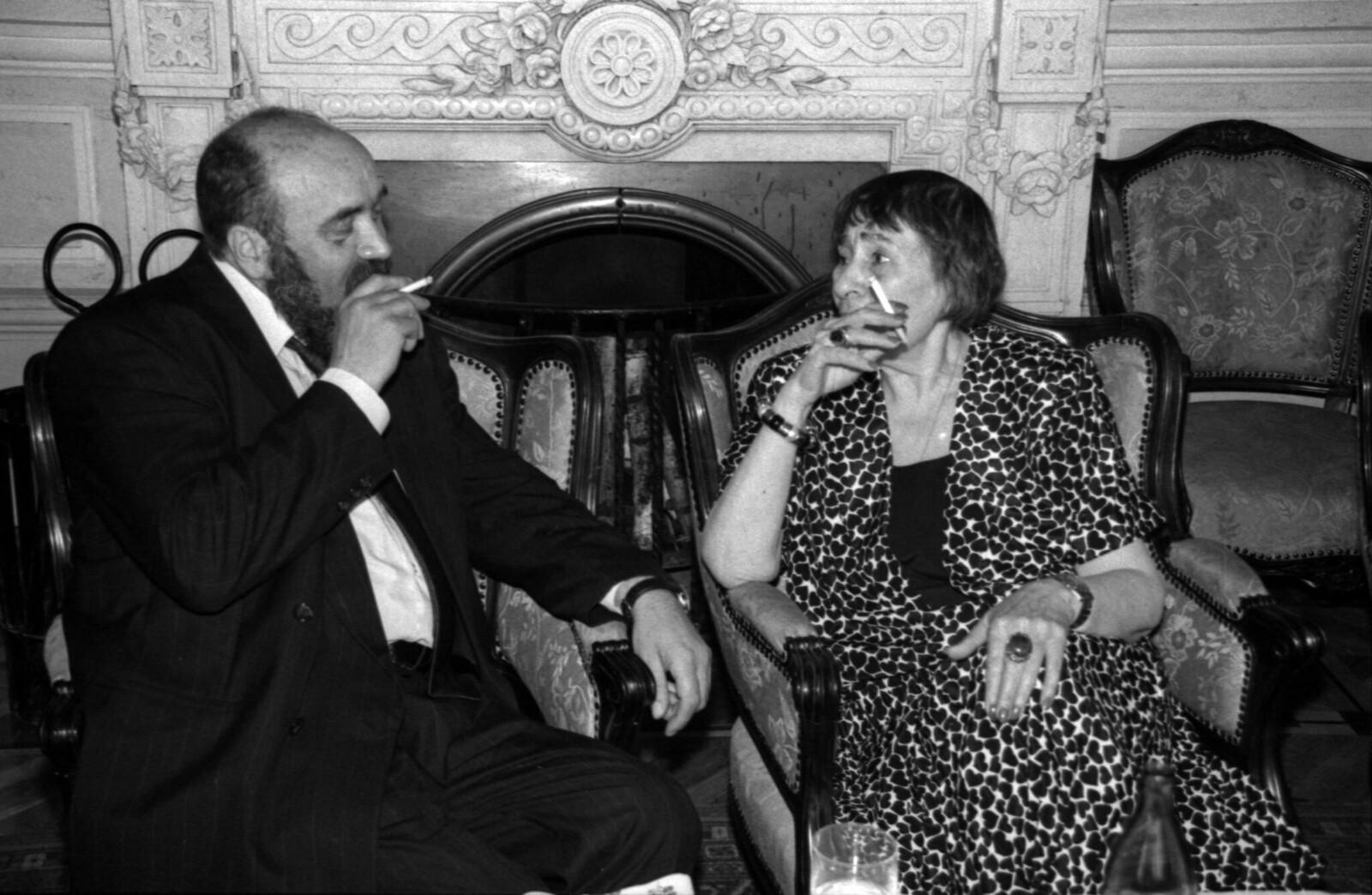 1995. Евгений Попов и Инна Леснянская на вечере в Доме журналистов